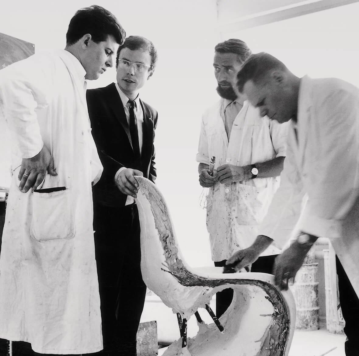 © Manfred Diebold, Rolf Fehlbaum, Verner Panton and Josef Stürmlinger S. 216 (Project Vitra)