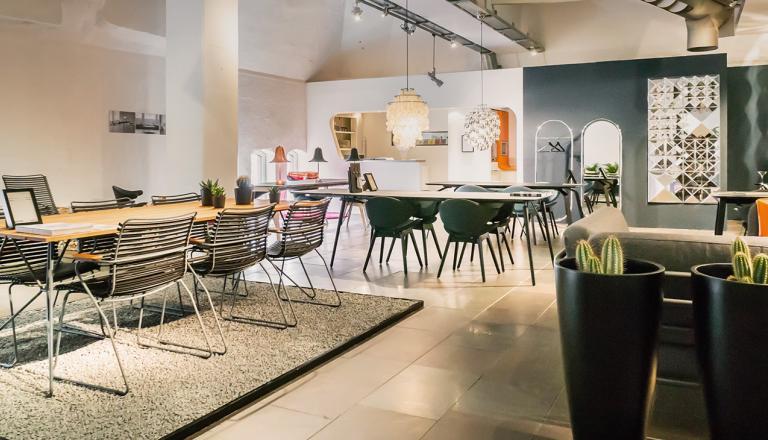 houe ihre stores im stilwerk hamburg. Black Bedroom Furniture Sets. Home Design Ideas