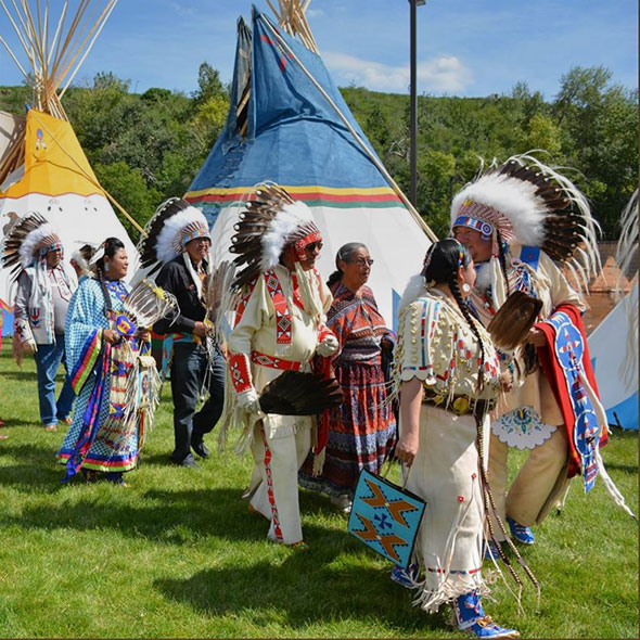 places_to_see_2020_westkanada_indian_village_gallery
